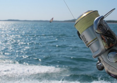 Light tackle Fishing in the bay