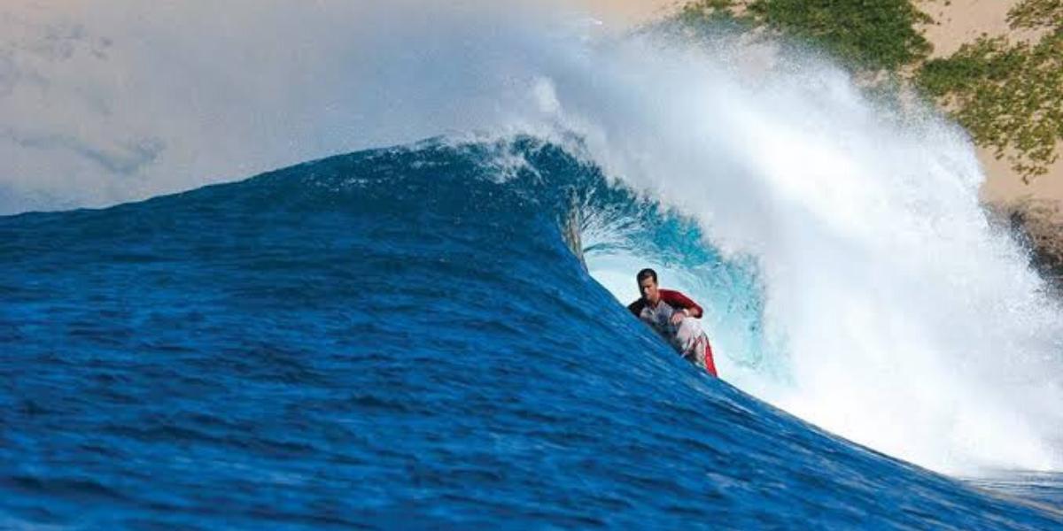 Surfing Inhaca Island